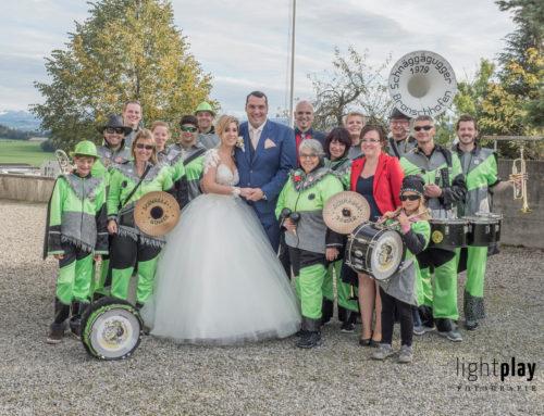 Die Schnäggägugger gratulieren ihrem Hauptsponsor zur Hochzeit